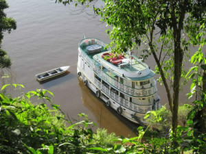 amazon-santarem-boat-and-canoe-green-stone-journeys-wellness-tours-brazil