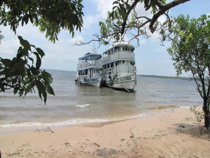 amazon-santarem-boat-shore-green-stone-journeys-wellness-tours-brazil
