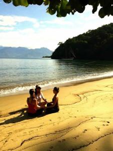 beach-yoga-island-discovery-ilha-grande-paratygreen-stone-journeys-wellness-tours