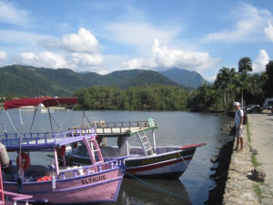 boats-paraty-green-stone-journeys-wellness-tours-brazil