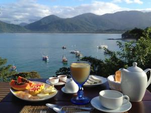 green-stone-journeys-wellness-tours-brazil-paraty-ecospa-breakfast
