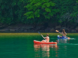 kayaking-ilha-grande-green-stone-journeys-wellness-tours-brazil
