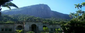 parque-lage-yoga-ri-janeiro-green-stone-journeys-wellness-tours-brazil