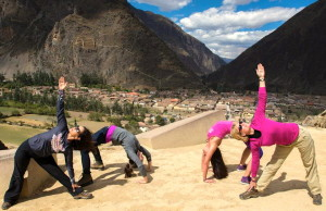 Yoga_Sacredvalley_trikonasana