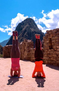 Yoga_headstand_machupicchu